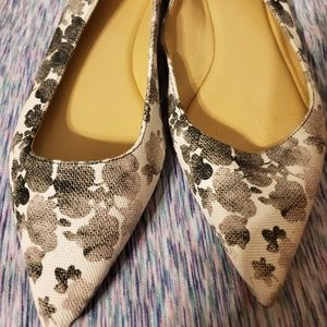 MICHAEL KORS FABRIC FLAT Size 10-  White w/ Black